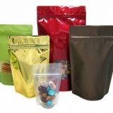 Embalagem laminada colorida no Sítio Tapera