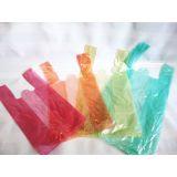 Embalagem plástica recuperada colorido Vila Caravelas