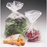 Venda de embalagens de alimentos na Vila Graciosa